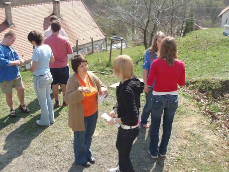 Easter Course 2007 - Icebreakers & BAFA Game.zip
