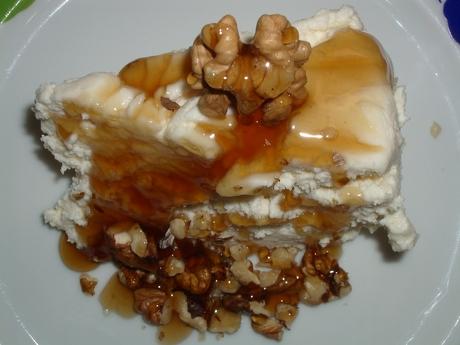 Sobremesa de Queixo do Cebreiro con mel e noces do pa </p>                                     </div>                 <span class=