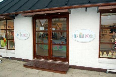 Facaden på butikken Den Lille Drøm i Hune.