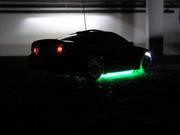 XMODS Mustang GT mit Beleuchtung in der Tiefgarage