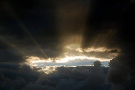 Solen bryder igennem efter en tung regnbyge i Ringkøbing