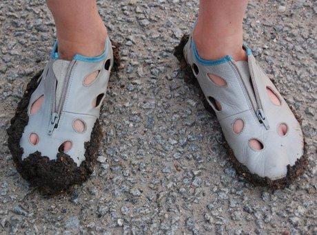 Mudder på skoene