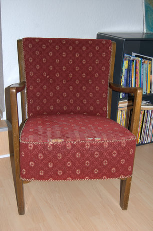 Farmors gamle stol før ombetrækning